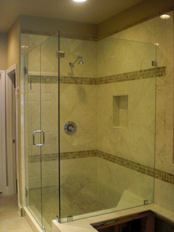 Frameless Glass shower Doors